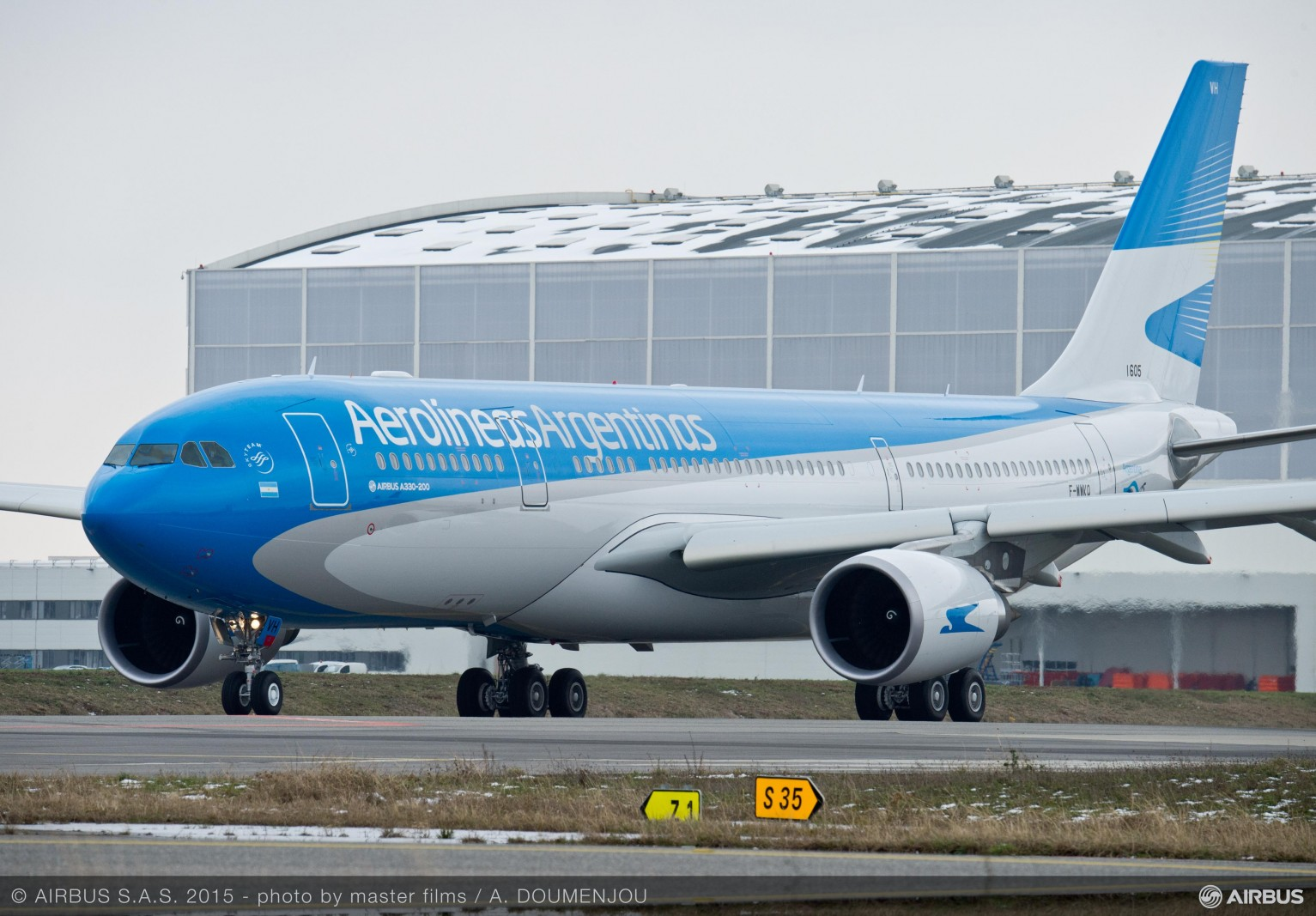 A330-200_ARG_TAXIING_AND_TAKE_OFF_1